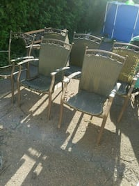 6 CHAISES//6 CHAIRS//5$ FOR 6//PATIO CHAIRS// Châteauguay