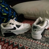 white-and-black Nike Air Max shoes Ooltewah, 37363