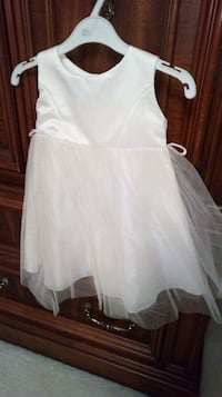 Girls' gowns for sale Toronto, M6B 2M7