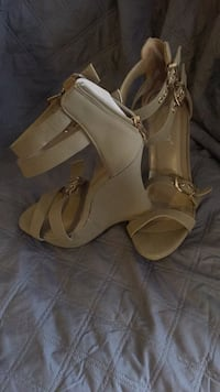 pair of brown leather open toe ankle strap heels Hyattsville, 20781