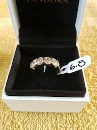 Gorgeous  10kt  gold  band  Whitby, L1N 8X2