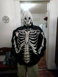 5xl leather skeleton coat...Like new...very warm..