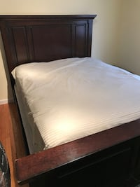 Queen size panel bed and mattress set Bloomington