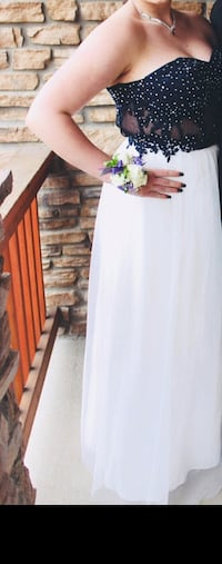 Size 13 navy & white prom dress Aurora, 80016