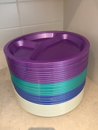 38 plastic Reusable plates