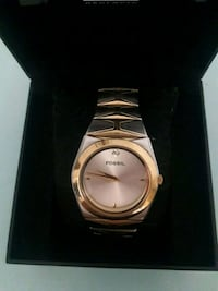 round gold-colored analog watch with link bracelet Coconut Creek, 33066