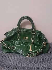 Coach two way bag in forest green color Surrey, V3W 0L7