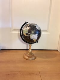 World Globe in Very Good Condition
