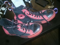 Men's black and red chuck Taylor All stars Coquitlam, V3B 0C4