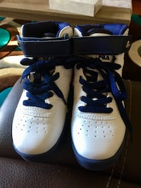 Size 12 Boys Fila Basketball Shoes Winnipeg, R2L 1G3