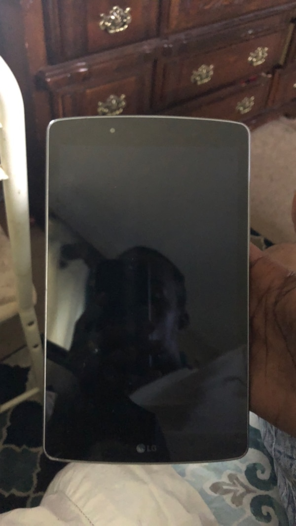 Black and gray lg tablet gpad f 8.0