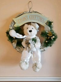 SEASONS GREETINGS WINTER BEAR. Cute