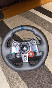 Logitech steering wheel with shifter and project cars two for PS4  Fairfax, 22032