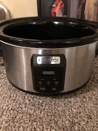 Stainless steel and black crock-pot slow cooker Oshawa, L1H 5B5