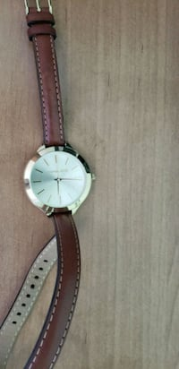 round gold analog watch with brown leather strap Centreville, 20121