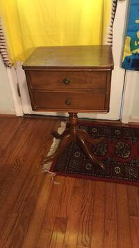 Side table $35 Vienna, 22180