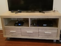 TV Stand  Los Angeles, 90048