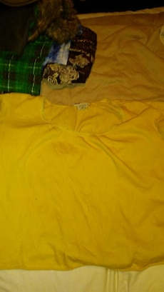 Stretchy yellow top