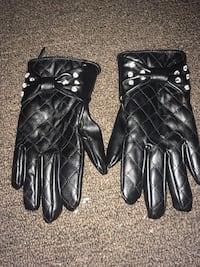 Pair of black leather gloves kids girls Middle River, 21220