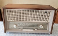 Antique Vintage Old tube radio Philips Model B6X82A.Nice! Toronto