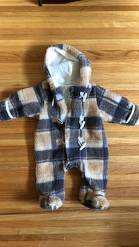 Warm fleece onesie  Burnaby, V3N 2L9