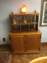 Brown wooden cabinet with hutch Lauderdale Lakes, 33311