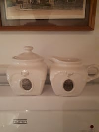 two white ceramic canisters Montréal, H2J 3T6