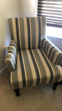 Pier One Accent chair Frederick, 21703