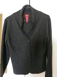 gray button-up long-sleeved jacket size L 541 km