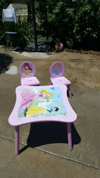 toddler's pink  table & chairs Lemon Grove, 91945