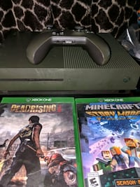 Xbox one s green with 2 games  Homosassa, 34446