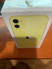 REAL IPHONE 11 YELLOW Montreal