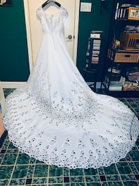 Oleg Ca ssini wedding dress size 10