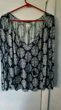 black and white floral scoop neck long sleeve shirt Boonsboro, 21713