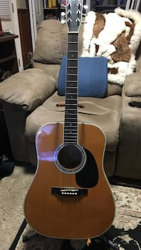 acoustic  electric guitar with stand $125.00 Springfield, 22150