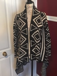 Ladies sweater size small Oakville, L6H