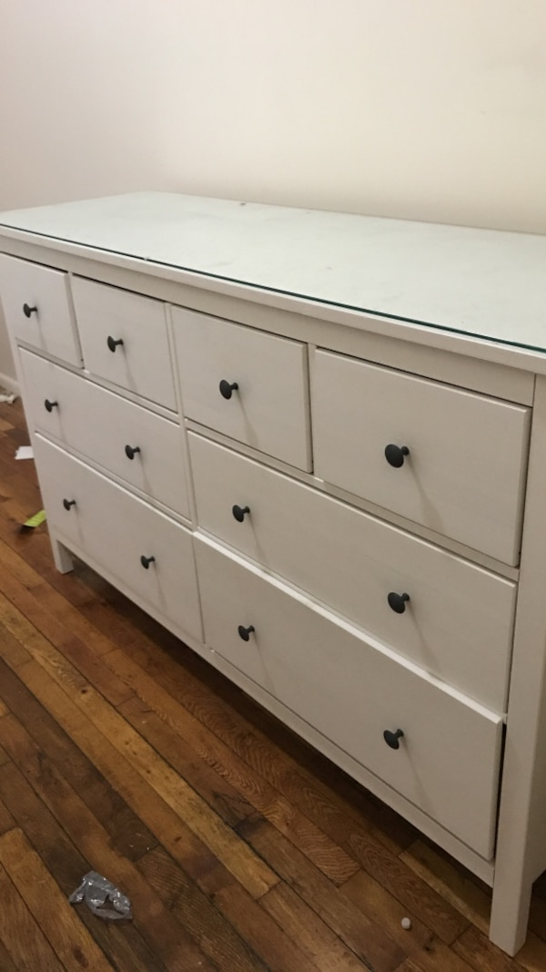White Ikea Hemnes 8 Drawer Dresser With Gl Top