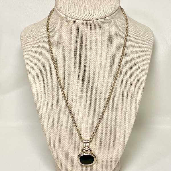 Vintage Sterling Silver Black Onyx Pendant with Sterling Rope Chain 61f144b8-3106-4fd7-8f6a-32011437bec8