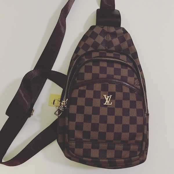 d9bff7401294 Used Louis Vuitton Sling / Messenger Bag for sale in Ottawa - letgo