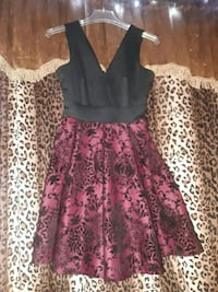 red and black floral sleeveless mini dress Bakersfield, 93313