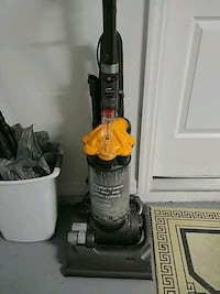 DYSON DC33 Black and gray upright vacuum cleaner Port Richey, 34668