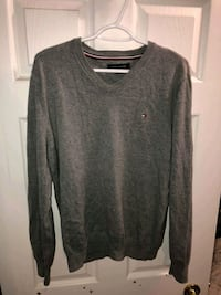 Tommy Hilfiger V-Neck pull over sweater