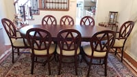 Dinning table and chairs Markham, L3P 3C7
