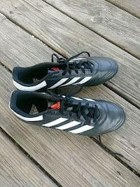 pair of black Adidas low-top sneakers size 11 Gulfport