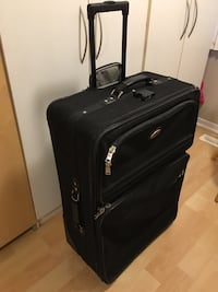 "Large Checked luggage by American Tourister, 32"" x 21 1/2"" x 12 1/4"" - $55 Mississauga, L5L 5P5"