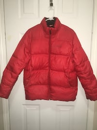 Red zip-up bubble jacket 埃德蒙顿, T6J 2H8
