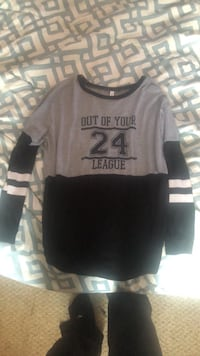 black and gray crew neck shirt Mount Pleasant