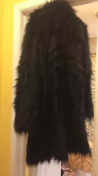 faux fur peacoat size XL MEN District Heights, 20747