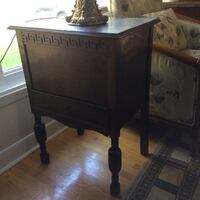 Vintage Accent Table Beaconsfield, H9W