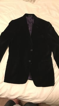 Tommy Hilfiger black suede jacket. Size 40R. Wrong size for me. Used once, great condition! Houston, 77002